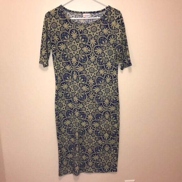 LuLaRoe Dresses & Skirts - Lularoe Julia dress. Never worn.
